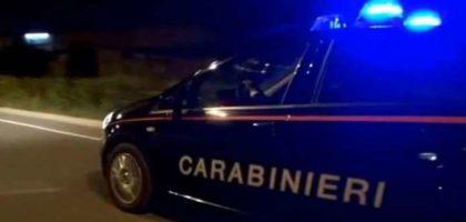 Minaccia gli avventori di un bar e ferisce un Carabiniere, denunciato 53enne a Finale Emilia