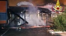 Incendio nella notte in un bar a Finale Emilia