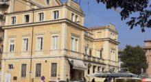 Mirandola, il caos dei parcheggi in zona Teatro Nuovo